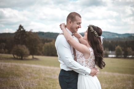 svatební fotky v přírodě